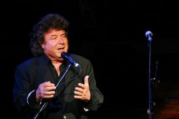 El siempre esperado Festival Flamenco Caja Madrid este año será más emotivo que nunca. Está dedicado a la memoria del maestro Enrique Morente, quien brilló en la edición anterior.