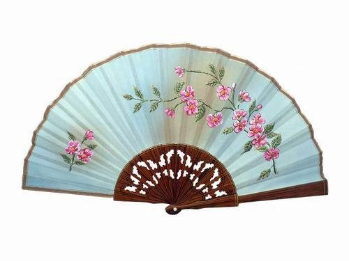 Beige Lace Lacquered Palo Santo Wood Fan with Pink Flowers. 50X27cm