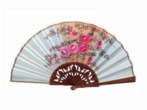 Beige Lace Lacquered Palo Santo Wood Fan with Pink Flowers. D11. 50X27cm