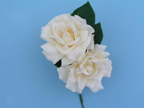 Flowers for bride mod. Two Saly roses