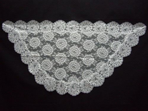 Mantilla Triangular. Ref. 211