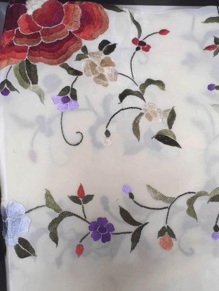 Handmade Embroidered Shawl. Natural Silk. Ref. 1011164BGCL