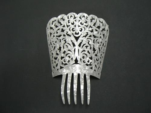 Imitation mother of pearl combs