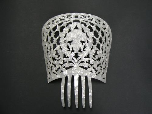 Mother of Pearl Comb - Ref.224 Embossed