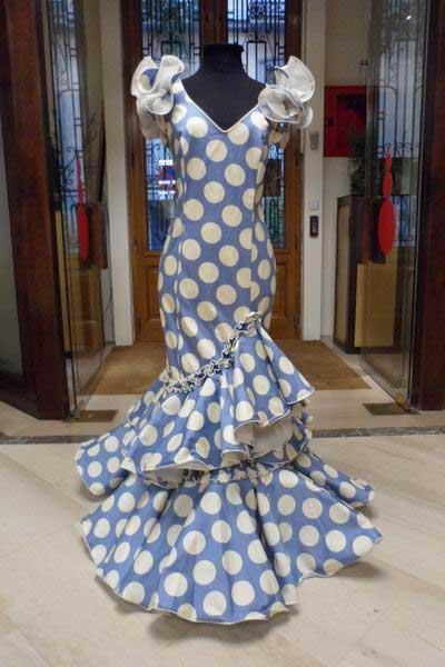 Outlet trajes de flamenca abanico - Outlet de telas en madrid ...