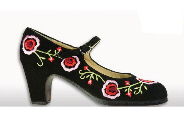 Zapato Flamenco Begoña Cervera. Bordado Negro Colores