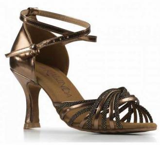 Chaussure pour danse de salon danses latines ou salsa for Salon de la chaussure