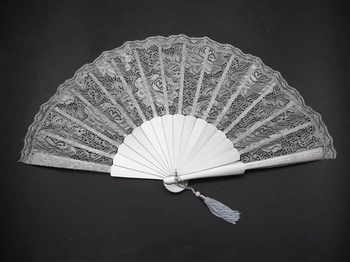 Silver-Colored Maid of Honor´s Fan with Strass on the Ribs