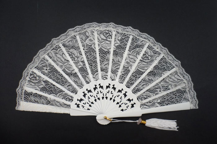 Small Bride Fan. Ref. 1611