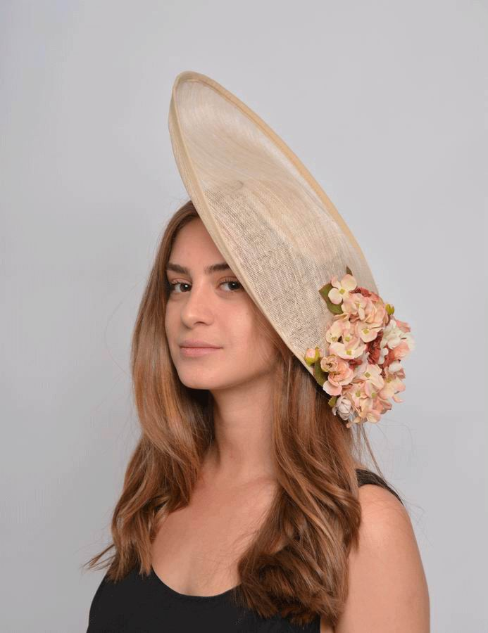 Floppy Hat Carlota. Sinamay with Flowers