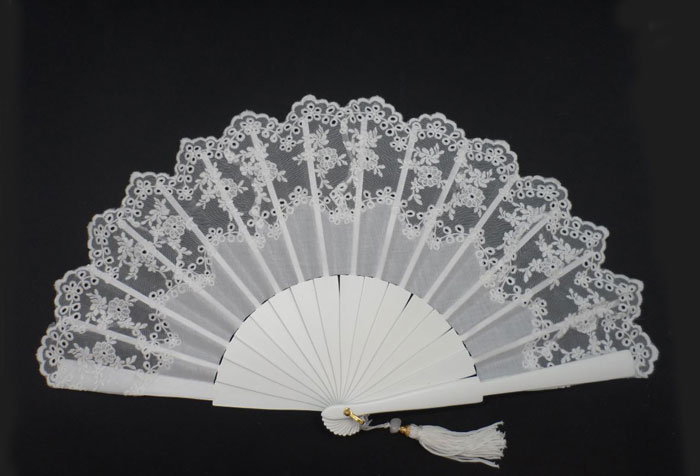 Bridal Tapered Lace Fan. Ref. 1333