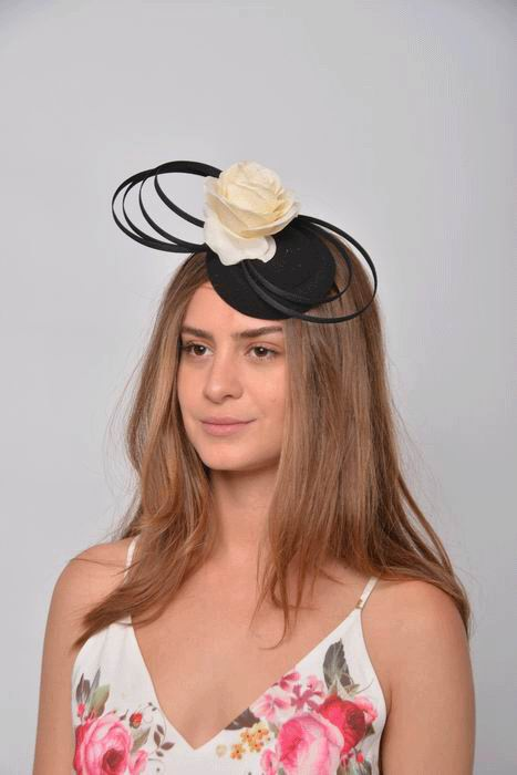 Headdress Sabrina. Black Casquette and Circles with a Beige Flower