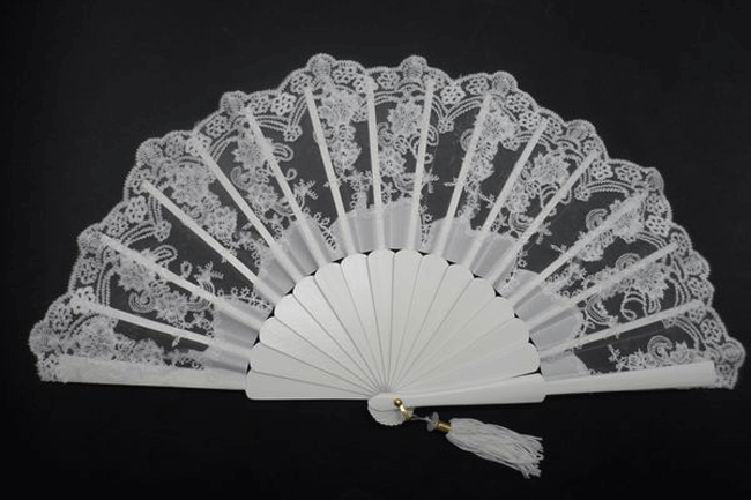 Silk and Lace Fan in Ivory Colour. Ref. 1399