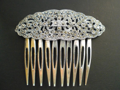 Combs - Small combs in silver and Marcasita. Ref. 003
