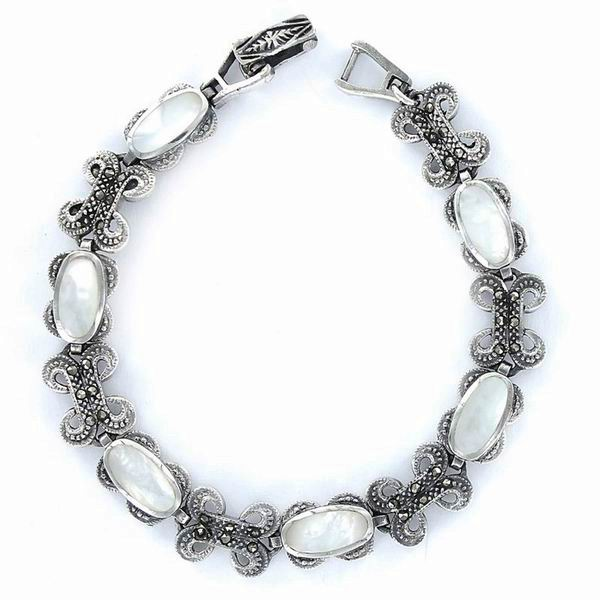 Silver and Marcasite Stones Bracelet with Links in shape of Bows and Mother-of-Pearl Ovals