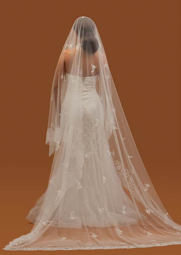 Spanish Embroidered Crystal Tulle Veil. Mod. Scarlett 3mX2m