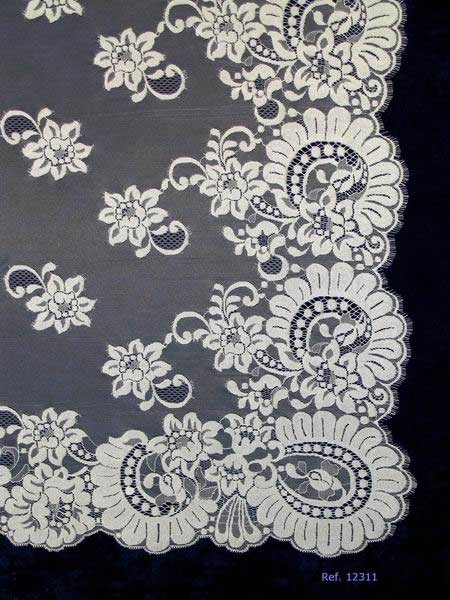 Ivory Spanish Mantilla for Brides. Measurements 130 X 250 cm