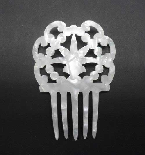 Small Mother of Pearl/Shell Comb- ref. S966LSN