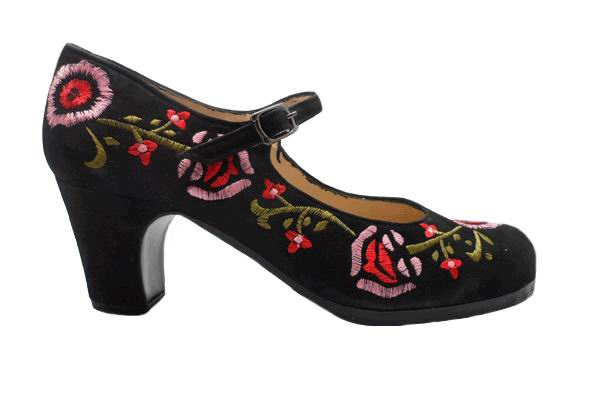 Flamenco shoes Begoña Cervera. Black and coloured embroidery