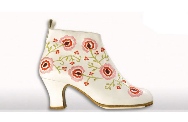 Flamenco Shoes from Begoña Cervera. Black and White Embroidered Ankle Boots.