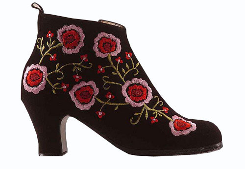 Flamenco Shoes Begoña Cervera. Black Embroidered Boots