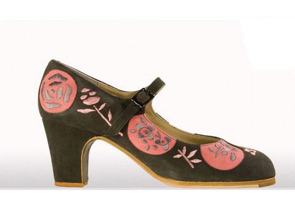 Flamenco Shoes from Begoña Cervera. Lunas Bordadas