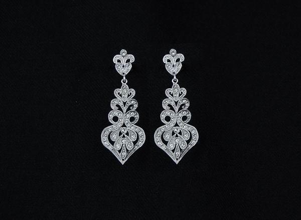7438a5ff793b Pendientes de Rodio para Novia con Cristales de Swarovski. Ref. 80613