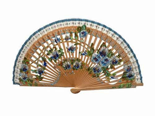Hazelnut-Painted sycamore engraved wood fan. Double Face. Ref. 116