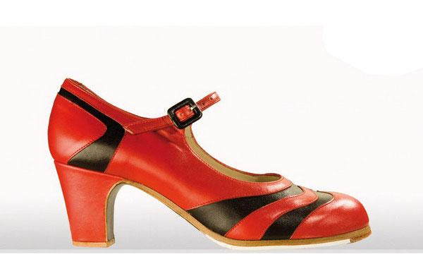 Flamenco Shoes from Begoña Cervera. Bicolor